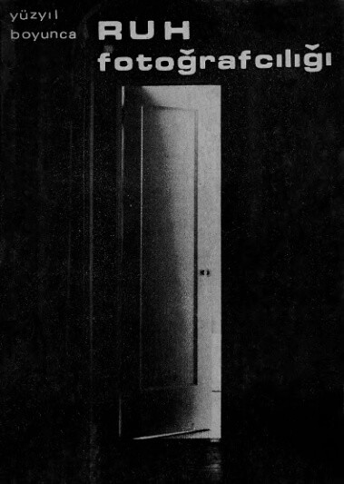 Tom Patterson tarafından yazılan yüz yıl boyunca ruh fotoğrafçılığı kitabı