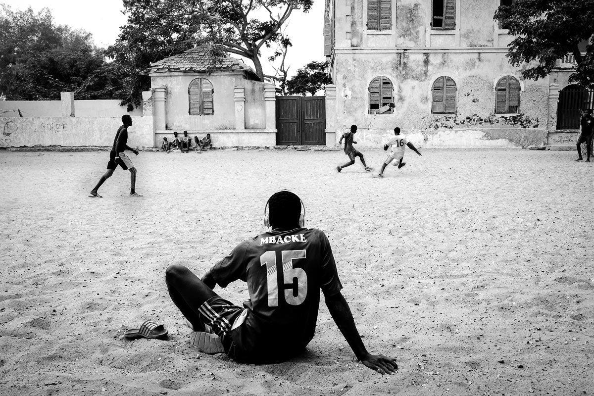 Goree adası futbol oyunu.